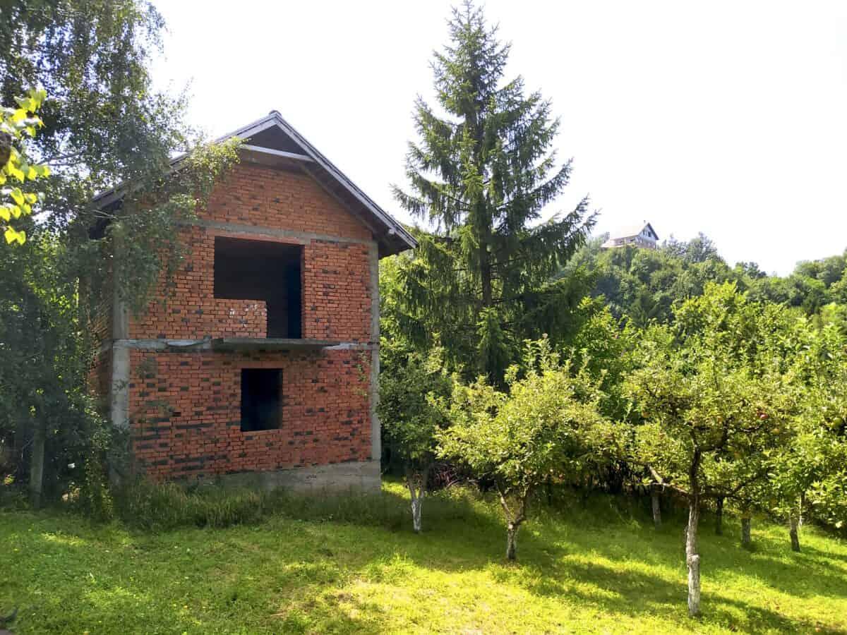 недостроенный дом в Бане Ковиляче