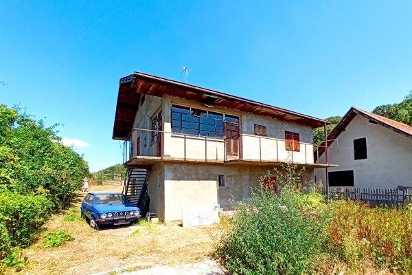 жилой дом в 6 км от центра Бани Ковилячи